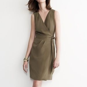 BANANA REPUBLIC sleeveless green wrap dress